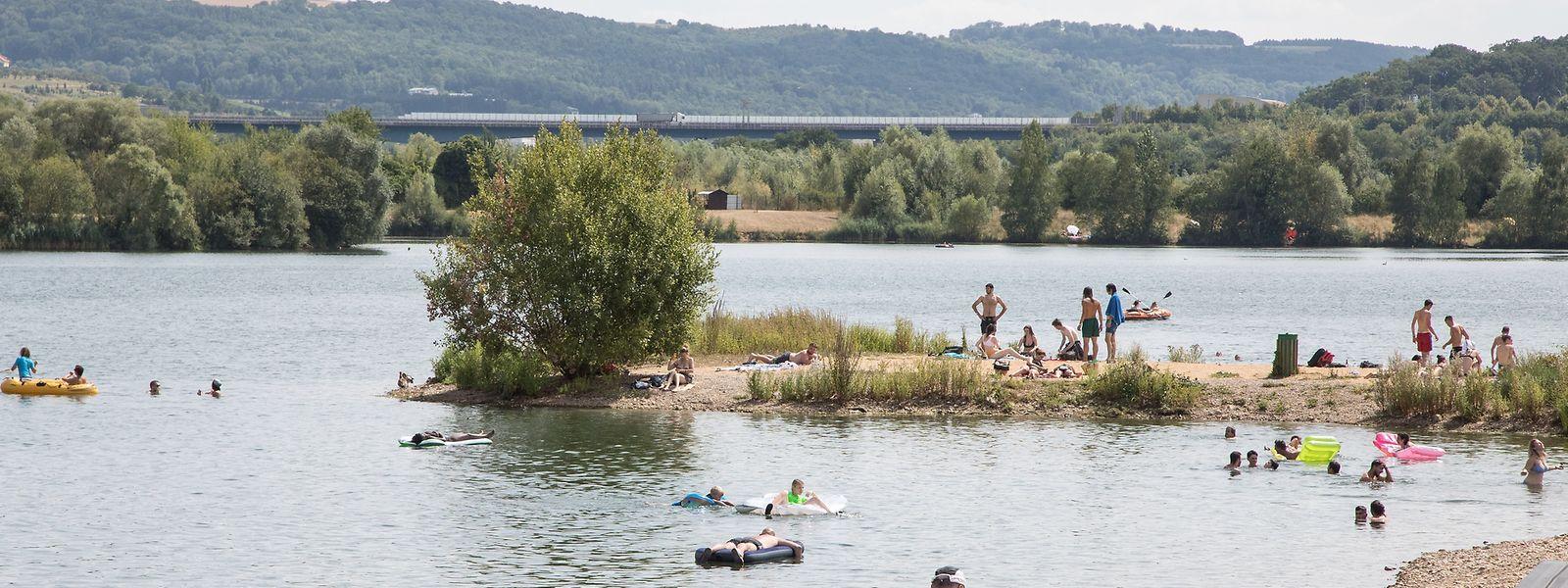 Das Schwimmen in einem Badegewässer wie in Remerschen birgt einige Gefahren, die es etwa in einem Freibad nicht gibt.