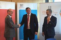 SnT-Direktor Björn Otterstein mit ABBL-Präsident Yves Maas und CEO Serge de Cillia (v.l.n.r.).