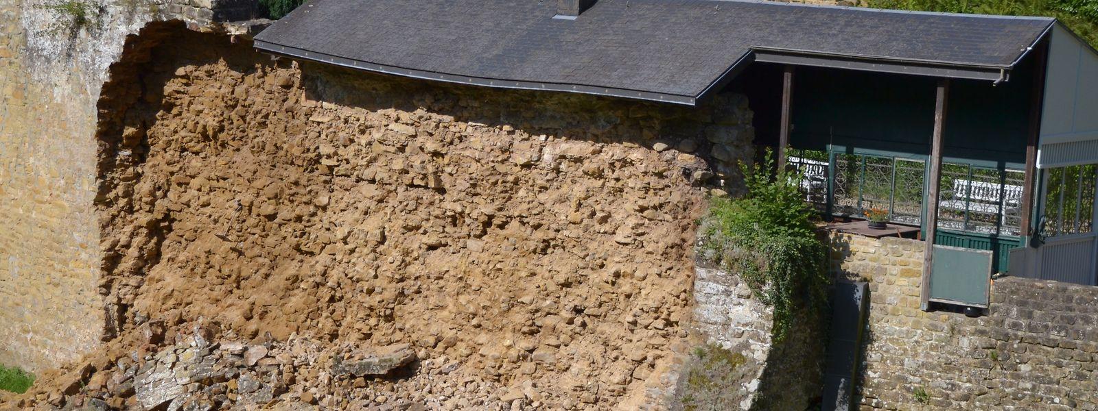 C'est juste devant la buvette du château que l'effondrement s'est produit.