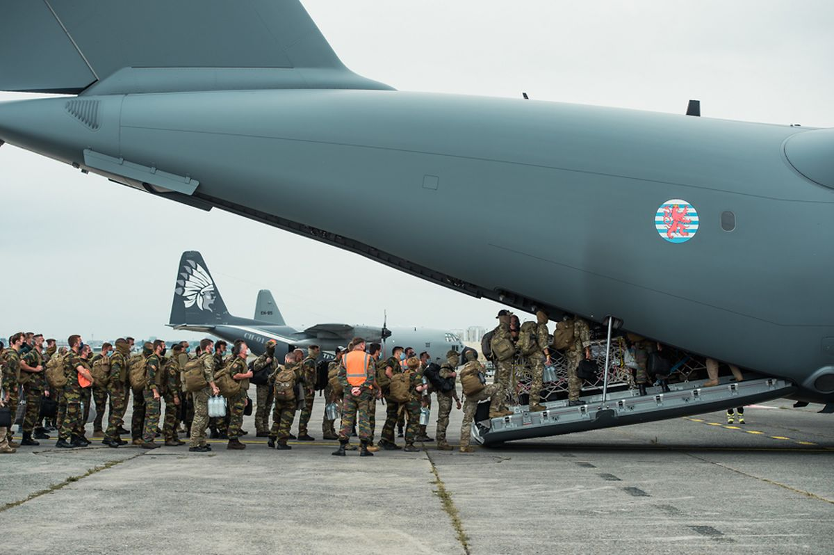 L'A400M belgo-luxembourgeois a atterri à Islamabad.