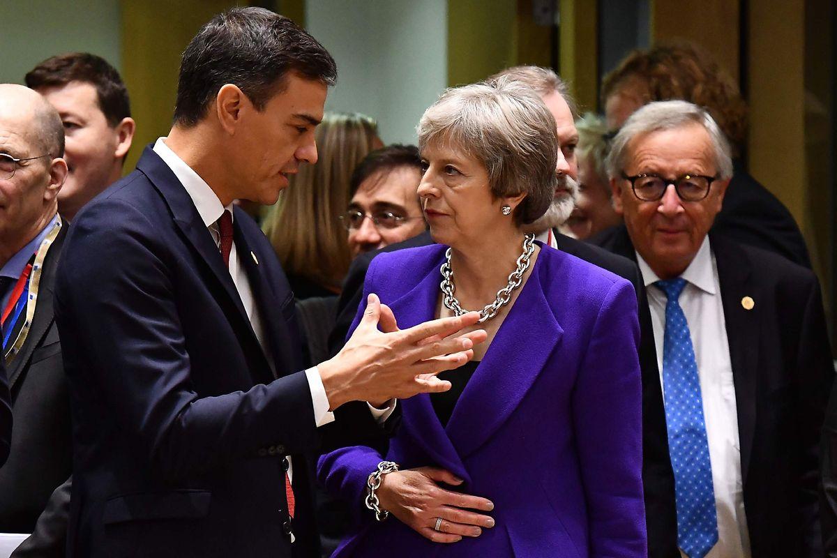 Eine bessere Partnerin für Brexit-Verhandlungen würden die EU-Leader auf der Insel kaum finden. Das wissen auch Spaniens Pedro Sanchez und Kommissionschef Jean-Claude Juncker.