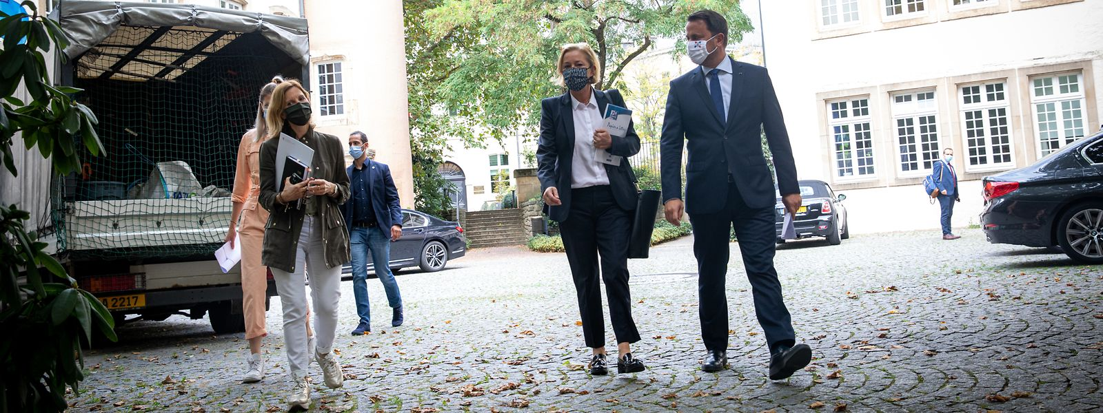 Premierminister Xavier Bettel und Gesundheitsministerin Paulette Lenert vor dem Briefing am Mittwochmittag.