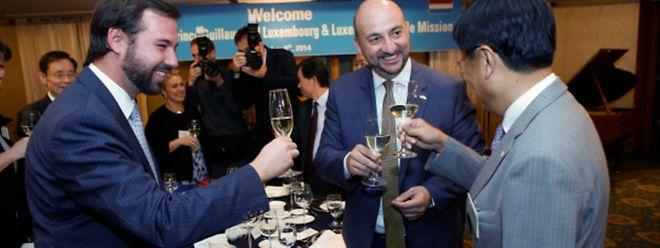 La mission économique a débuté dimanche par un dîner offert par le consul honoraire du Grand-Duché de Luxembourg à Séoul, Young-Chul Hong, auquel a participé le grand-duc héritier Guillaume, Etienne Schneider, la délégation officielle et la délégation économique.