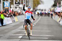 Bob Jungels (L/Deceuninck) gewinnt Kuurne-Brussel-Kuurne 2019.