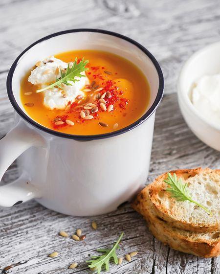 Reisgerichte, Eintöpfe oder Suppen spielen in der weitgehend vegetarischen Ayurveda-Küche eine große Rolle - dennoch sind Fleisch und Fisch aber nicht verboten