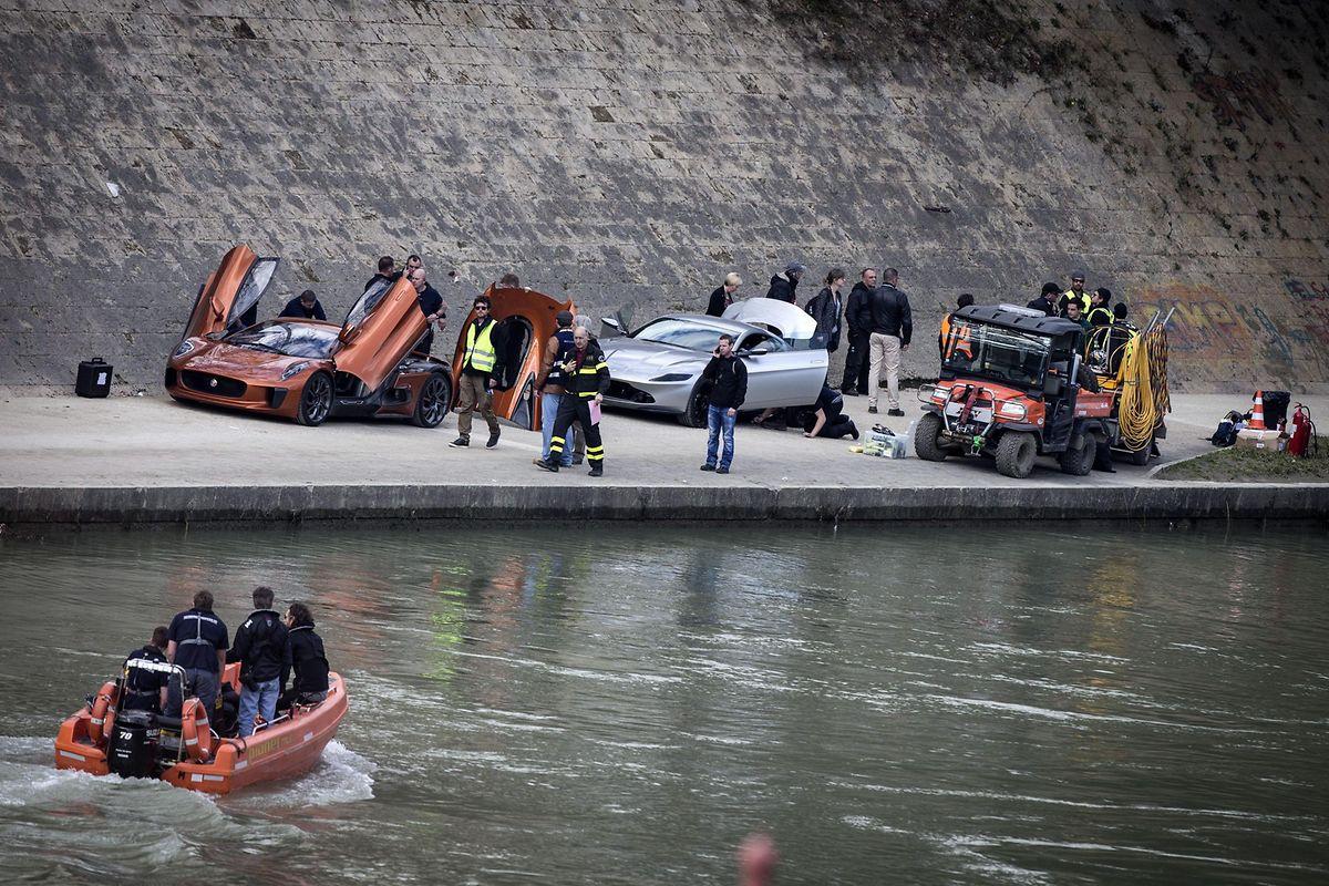"""Dreharbeiten zu """"Spectre"""" im Jahr 2015: Hier lieferte sich James Bond in einem Aston Martin DB10 eine Verfolgungsjagd entlang des Tibers."""