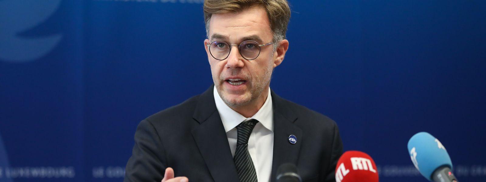 """Wirtschaftsminister Franz Fayot hat die """"Artemis Vereinbarung"""" unterschrieben."""