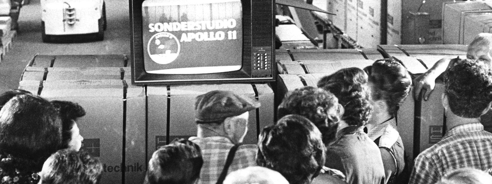 Die Mondlandung war auch als Medienereignis eine große Nummer. Manche blieben dafür die ganze Nacht wach. Auch die Sender waren im Ausnahmezustand.