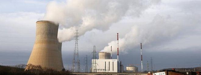 In der Kritik: Die Atomkraftwerke von Tihange und Doel sollen vorerst vom Netz genommen werden.