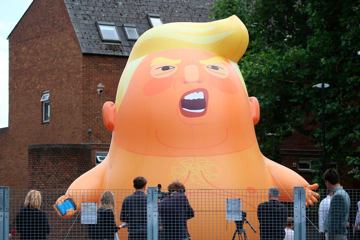 Aktivisten bastelten einen riesengroßen Baby-Trump-Ballon, um gegen den US-Präsidenten zu protestieren.