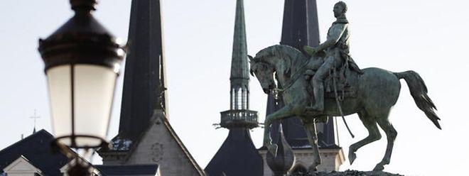Auf dem Weg zur geplanten Trennung von Kirche und Staat stimmt das Parlament am Donnerstag über einen ersten Gesetzentwurf ab.