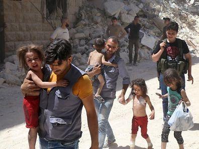 Nach Schätzungen der UN sind zwischen 250.000 und 300.000 Menschen in Aleppo eingeschlossen.