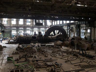 Die Halle mit der imposanten Gasmaschine.