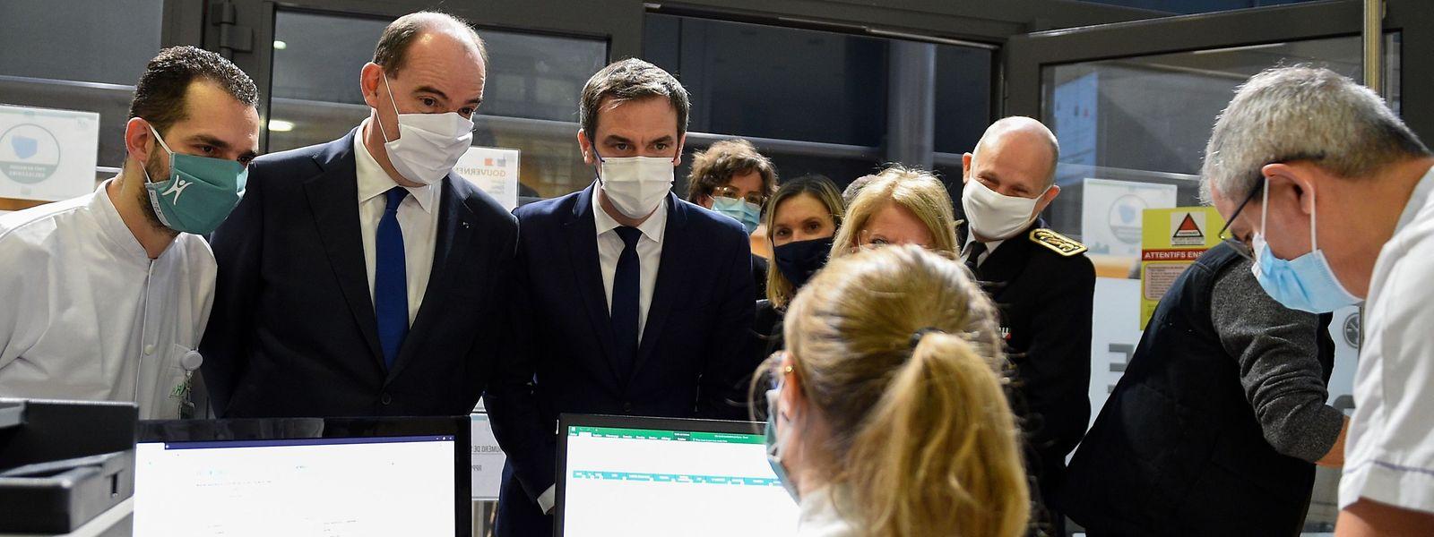Le Premier ministre français Jean Castex et le ministre de la Santé ont passé la journée à Metz, comme ici à l'hôpital de Mercy.