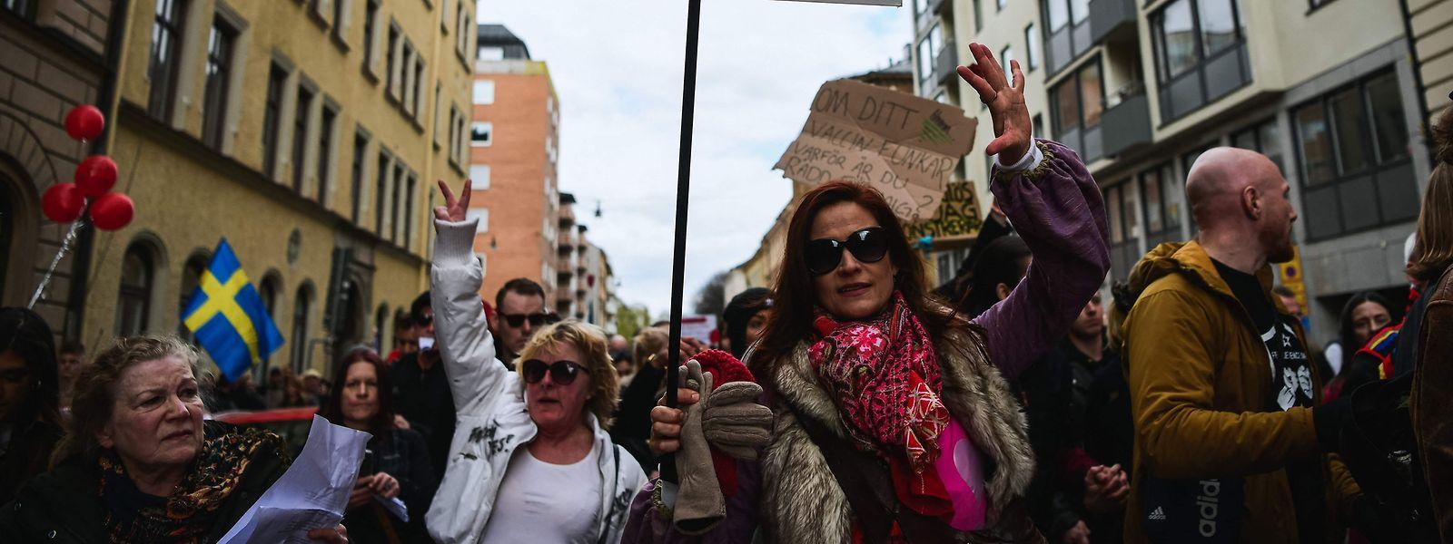 Am 1. Mai gingen Gegner der Corona-Maßnahmen trotz steigender Infektionszahlen in der Hauptstadt Stockholm auf die Straße – ohne Masken und gebotenem Sicherheitsabstand.