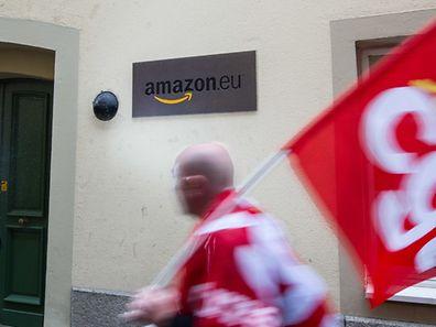 Agitation syndicale ce vendredi devant le siège (historique) d'Amazon Europe à Luxembourg.