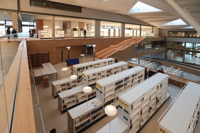 Die Eröffnung der neuen Nationalbibliothek ist für Ende September geplant. Bis dahin ziehen insgesamt 40.000 Meter an Dokumenten um.