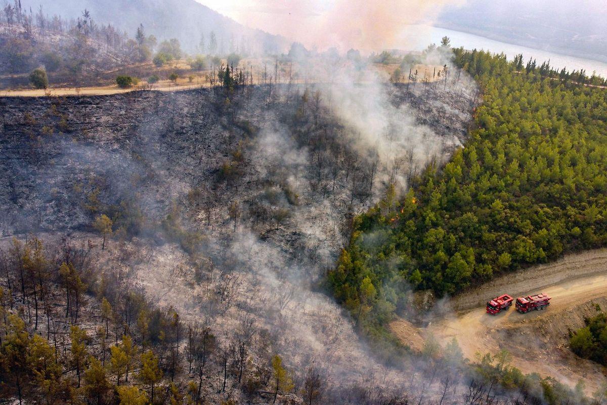 Auch in der Türkei toben Waldbrände. Im Bild die Küste von Manavgat, etwa 350 Kilometer östlich von Rhodos.