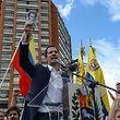 """Juan Guaido erklärt sich auf einer Kundgebung gegen Nicolas Maduro zum """"Interims-Präsidenten""""."""
