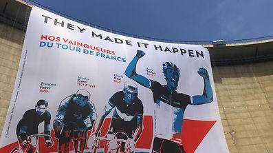 Luxemburgs Stars der Tourde France auf der Staumauer des Obersauerstausees.