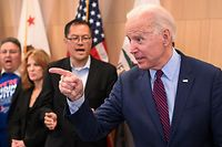 Democratic presidential hopeful Joe Biden answers a question after delivering remarks in Los Angeles, California, March 4, 2020. - Joe Biden reclaimed frontrunner status in the race for the Democratic presidential nomination after notching up stunning Super Tuesday primary victories. (Photo by Robyn Beck / AFP)