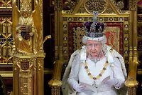 ARCHIV - 18.05.2016, Großbritannien, London: Die britische Königin Elizabeth II hält ihre traditionelle Thronrede vor dem britischen Parlament. (zu dpa «Außenminister beraten über EU-Reaktion auf türkische Militäroffensive») Foto: Str/epa/dpa +++ dpa-Bildfunk +++