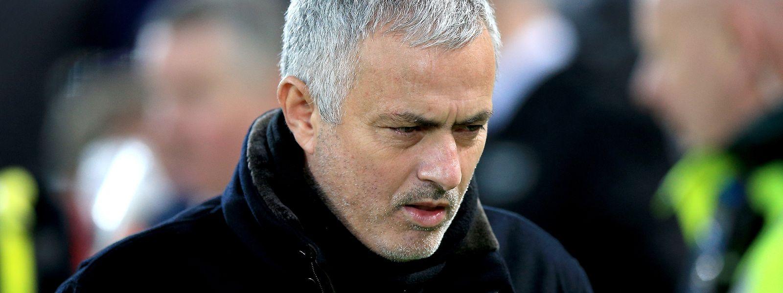 José Mourinho stand in den vergangenen Monaten permanent in der Kritik und fiel durch unpassendes Verhalten auf.