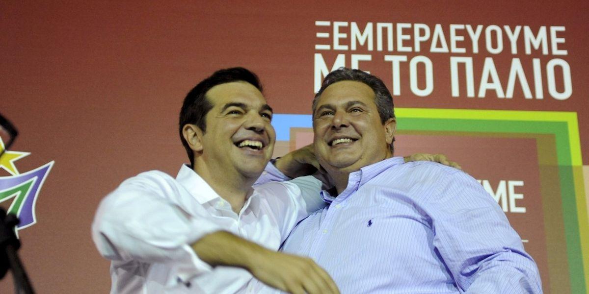 Alexis Tsipras (l.) am Wahlabend mit Panos Kammenos von den Unabhängigen Griechen.