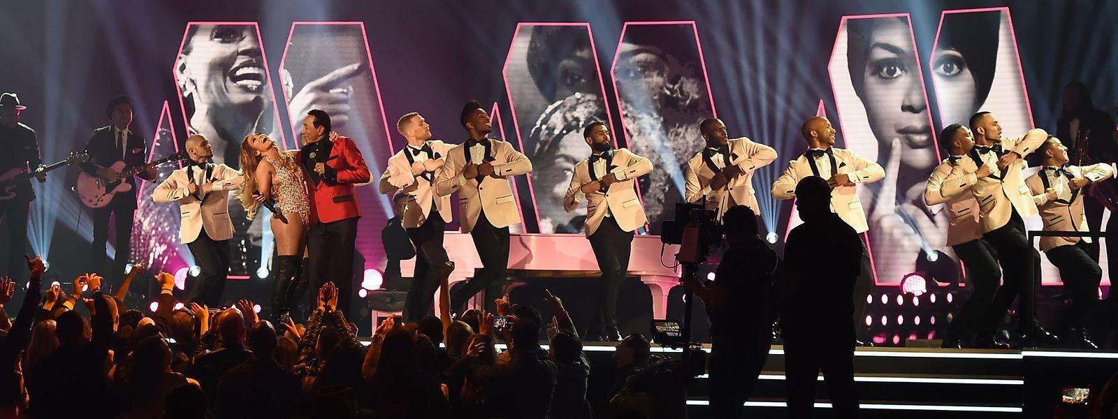 Auch Jennifer Lopez und Smokey Robinson traten in L.A. auf.