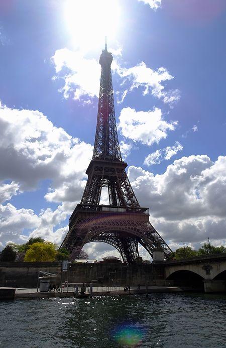Wochenendtrip zum Eiffelturm: Damit das nicht zum Stress ausartet, müssen Reisende einiges beachten.