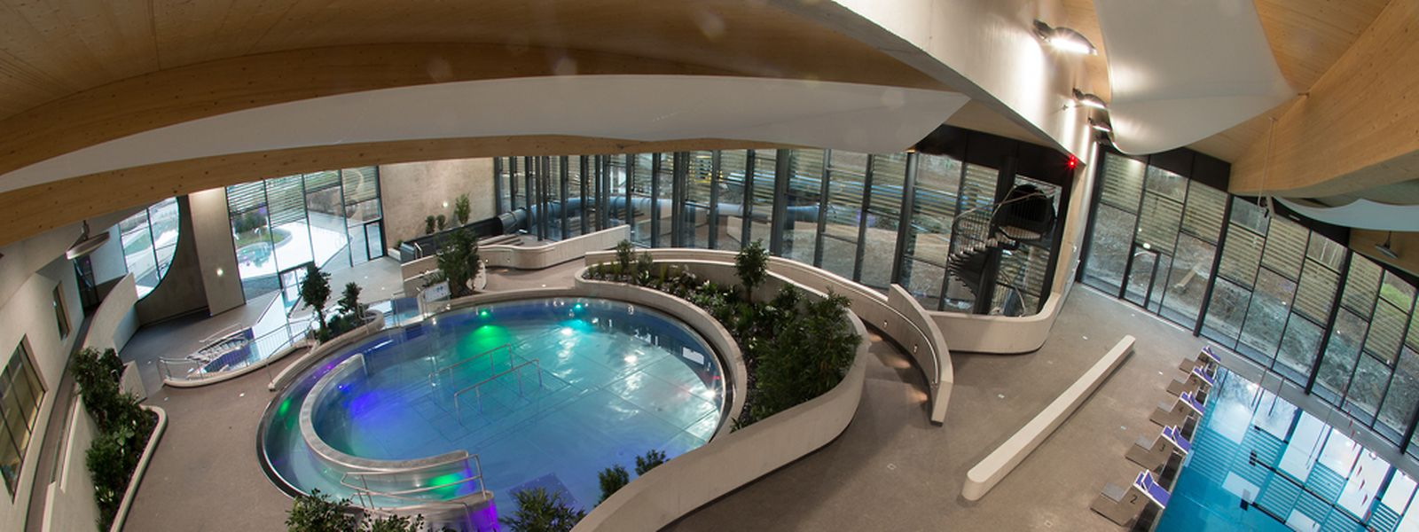 42 Millionen Euro kostete das im Januar diesen Jahres eröffnete Aquasud in Oberkorn. 27 Millionen werden von Differdingen getragen. Prognosen zufolge wird das Schwimmbad die Stadt pro Jahr 1,250 Millionen Euro kosten.