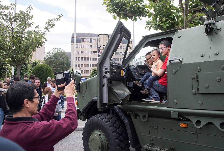 Das Armeefest am Rousegäertchen.