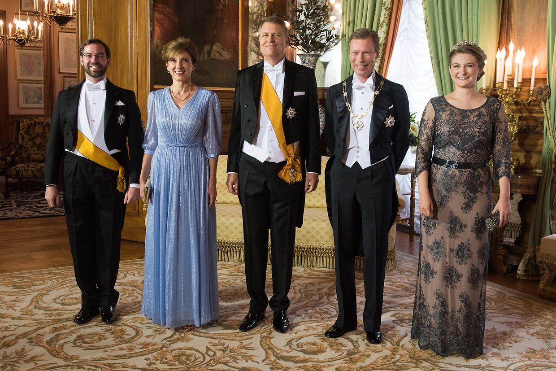 Erbgroßherzog Guillaume, Carmen Johannis, der rumänische Präsident Klaus Johannis, Großherzog Henri und Erbgroßherzogin Stéphanie.