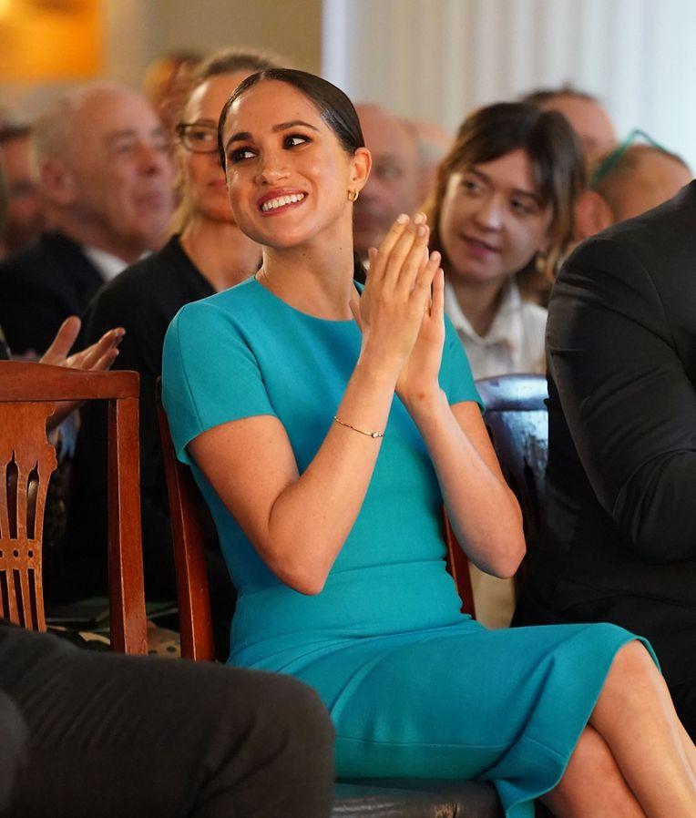 """Die Herzogin von Sussex erschien in einem strahlend blauen Outfit zu den """"Endeavour Fund Awards"""" in London."""