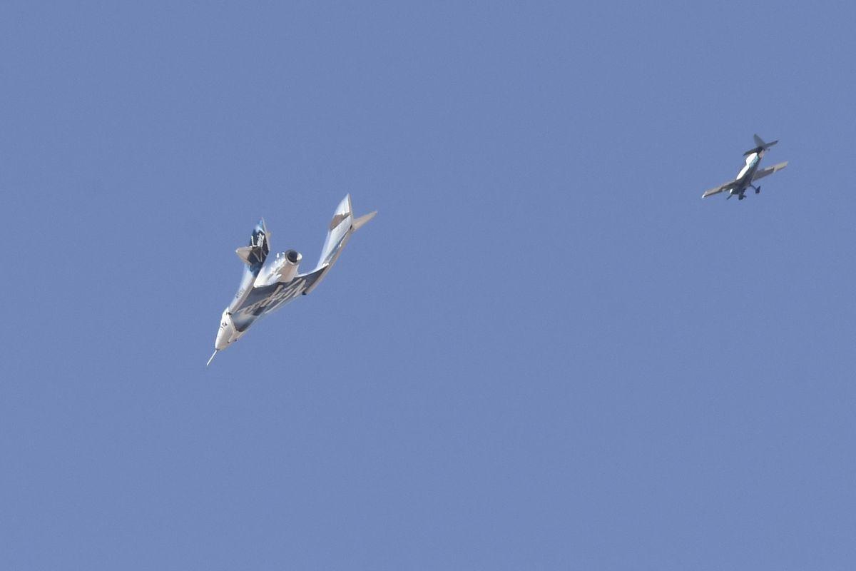 """Das 18 Meter lange """"VSS Unity""""-Raumflugzeug bietet zwei Piloten und sechs Passagieren Platz."""