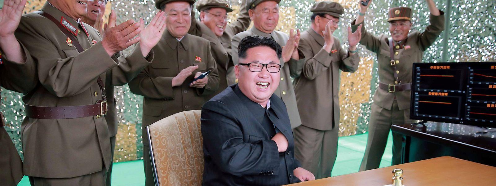 """Kim Jong Un bezeichnete den Raketentest als """"wichtige Gelegenheit"""", die atomare Angriffsfähigkeit zu verstärken."""