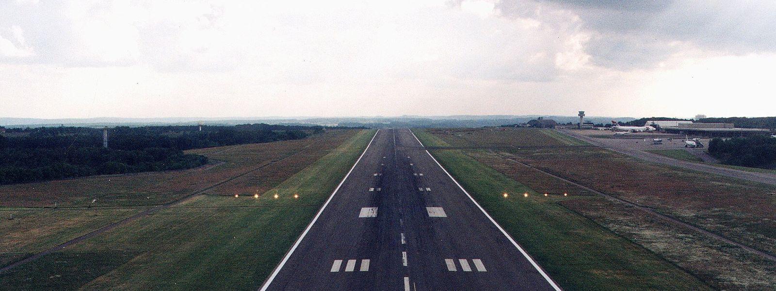 Vier unbegleitete Minderjährige landeten am Donnerstag am Flughafen Findel.