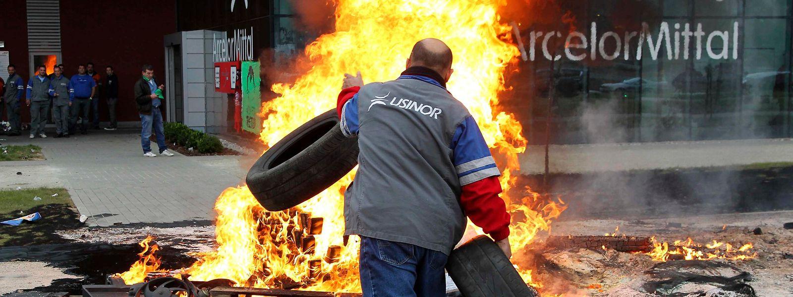 En 2011, les employés d'ArcelorMittal avaient organisé une grève de huit jours sur le site de Flémalle, situé dans le bassin industriel liégeois.