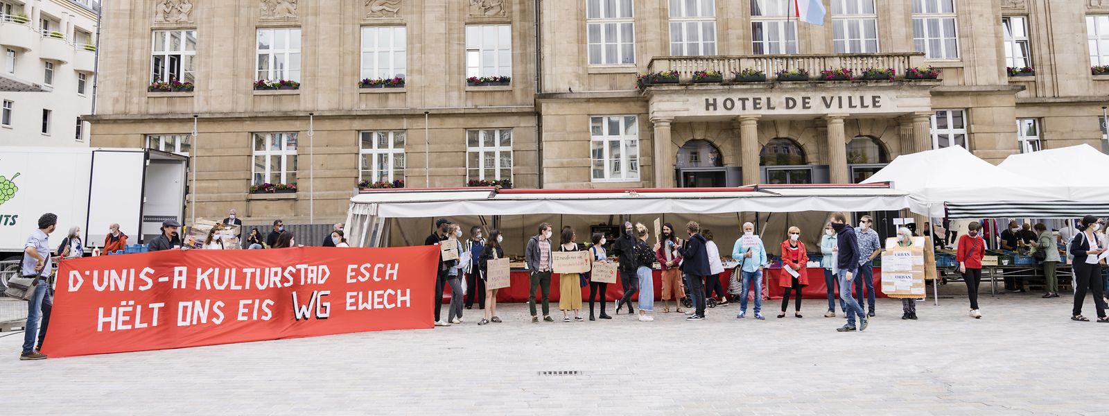 Am vergangenen Dienstag hatten Demonstranten gegen die WG-Bestimmungen vor dem Escher Rathaus protestiert.