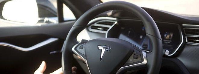 Die hohen Kosten für das Model 3 haben Tesla stärker als erwartet in die roten Zahlen gedrückt.