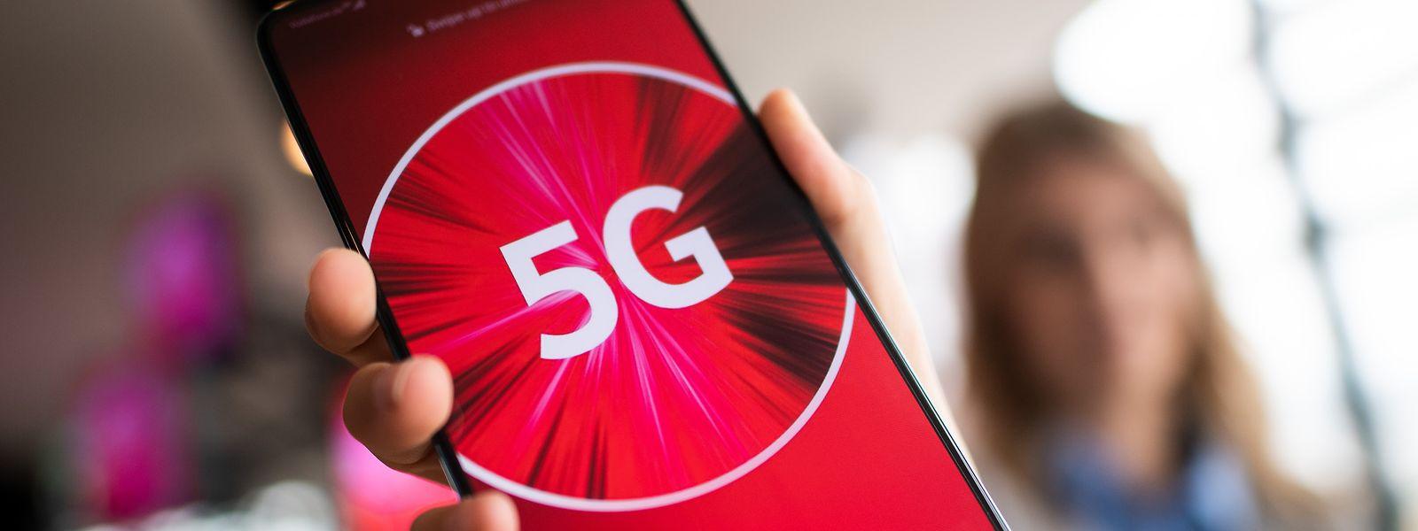 Die ersten 5G-Smartphones: In Deutschland wurden bereits kommerzielle 5G-Netze gestartet.