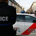 Mulher assaltada por três adolescentes armados