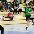 10 Handball Sales Lentz League Spielzeit 2016-17 HBC Kaerjeng gegen den HB Red Boys Differdingen am 19.11.2016  Milasin TRIVIC (3 HBK) vor Rafal GRZYBOWSKI (35RBD)