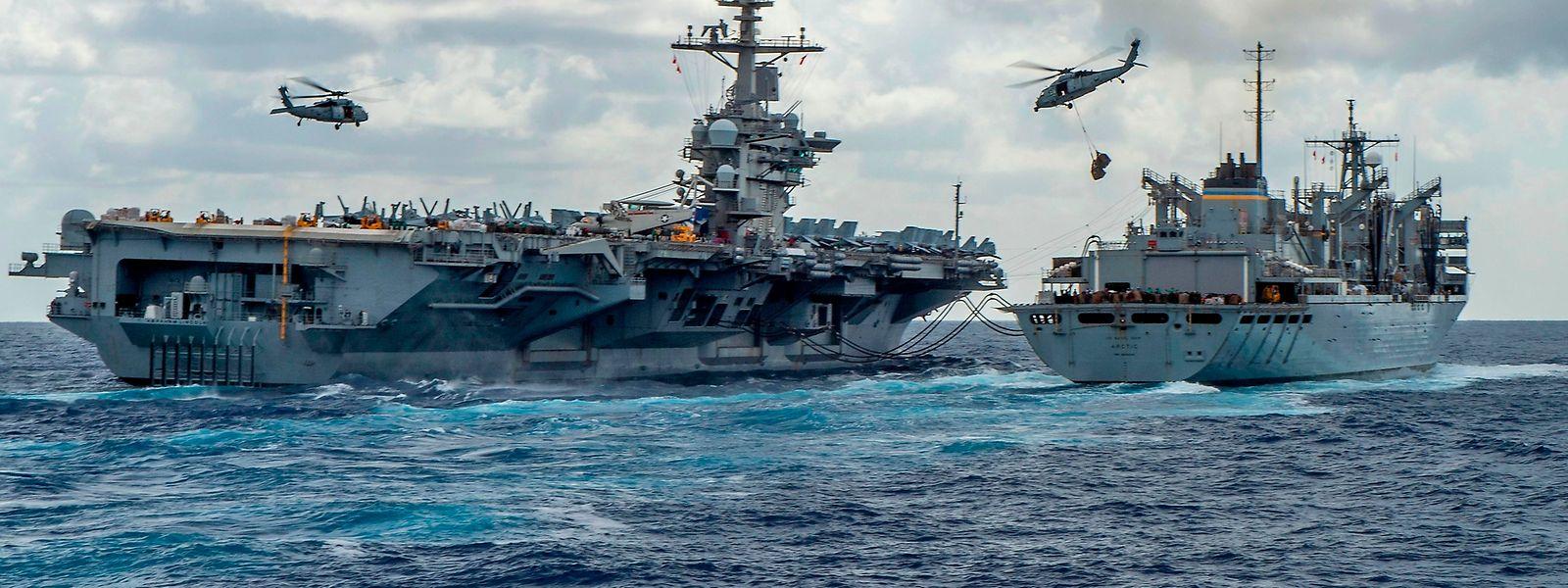 Die USA haben zur Abschreckung bereits Kriegsschiffe in die Golfregion verlegt.