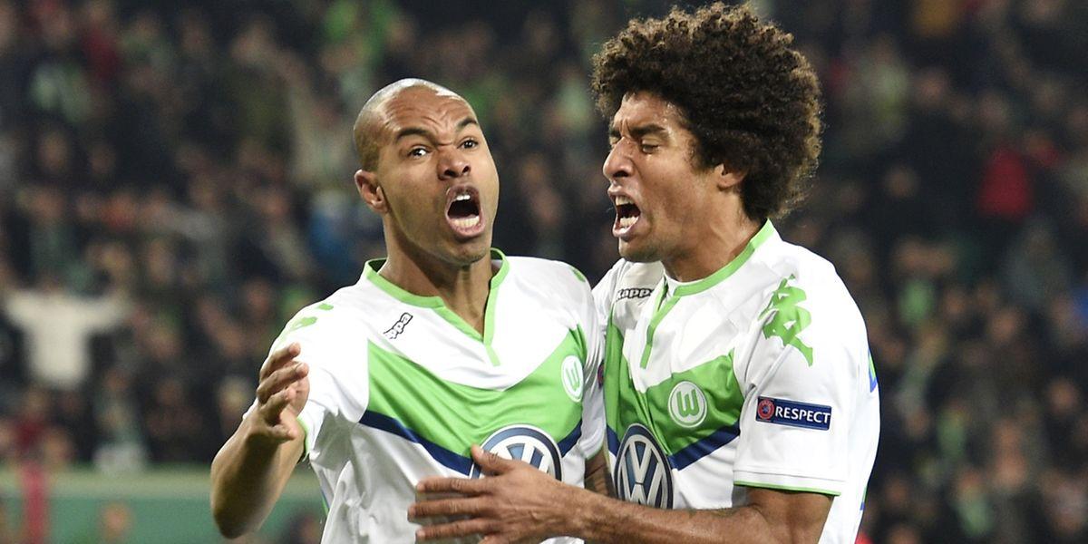 Naldo et Dante jubilent. Wolfsburg  s'est payé le scalp de Manchester United 3-2.