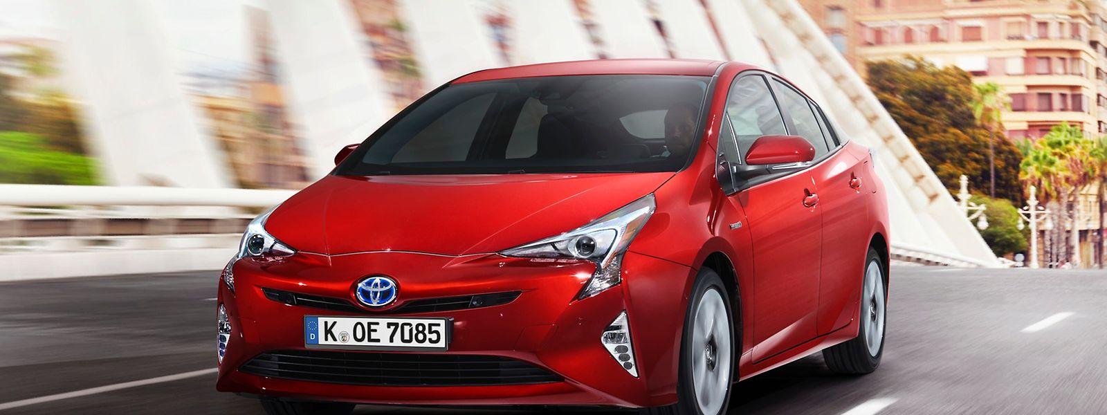 Der Toyota Prius kommt laut Toyota auf einen Normverbrauch von drei Litern je 100 Kilometer.