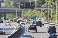 Lok , Autobahn A6 , Autobahn nach Belgien , Testphase mit Geschwindigkeitsbeschränkung auf 90 Km/h in den Spitzenzeiten von 6.15 Uhr bis 9.15 Uhr  , Foto:Guy Jallay/Luxemburger Wort