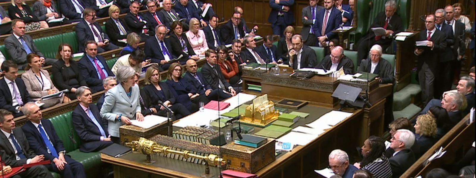 Theresa May bei ihrer Rede vor dem Parlament.