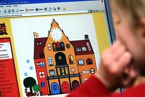 """Zum Themendienst-Bericht """"Multimedia/Familie/Kinder/Schule/Ratgeber/KORR/"""" von Florian Oertel vom 18. Juni: Lernen lässt nicht nicht nur mit gekauften Programmen - im Internet finden sich zahlreiche kindgerechte Lernseiten wie hier von der Stadt Bielefeld (www.kinderrathaus.de). Sie erklärt Kindern, wie die Kommunalverwaltung arbeitet. (Archivbild vom 15.02.2005 - Die Veröffentlichung ist für dpa-Themendienst-Bezieher honorarfrei.) +++ +++"""