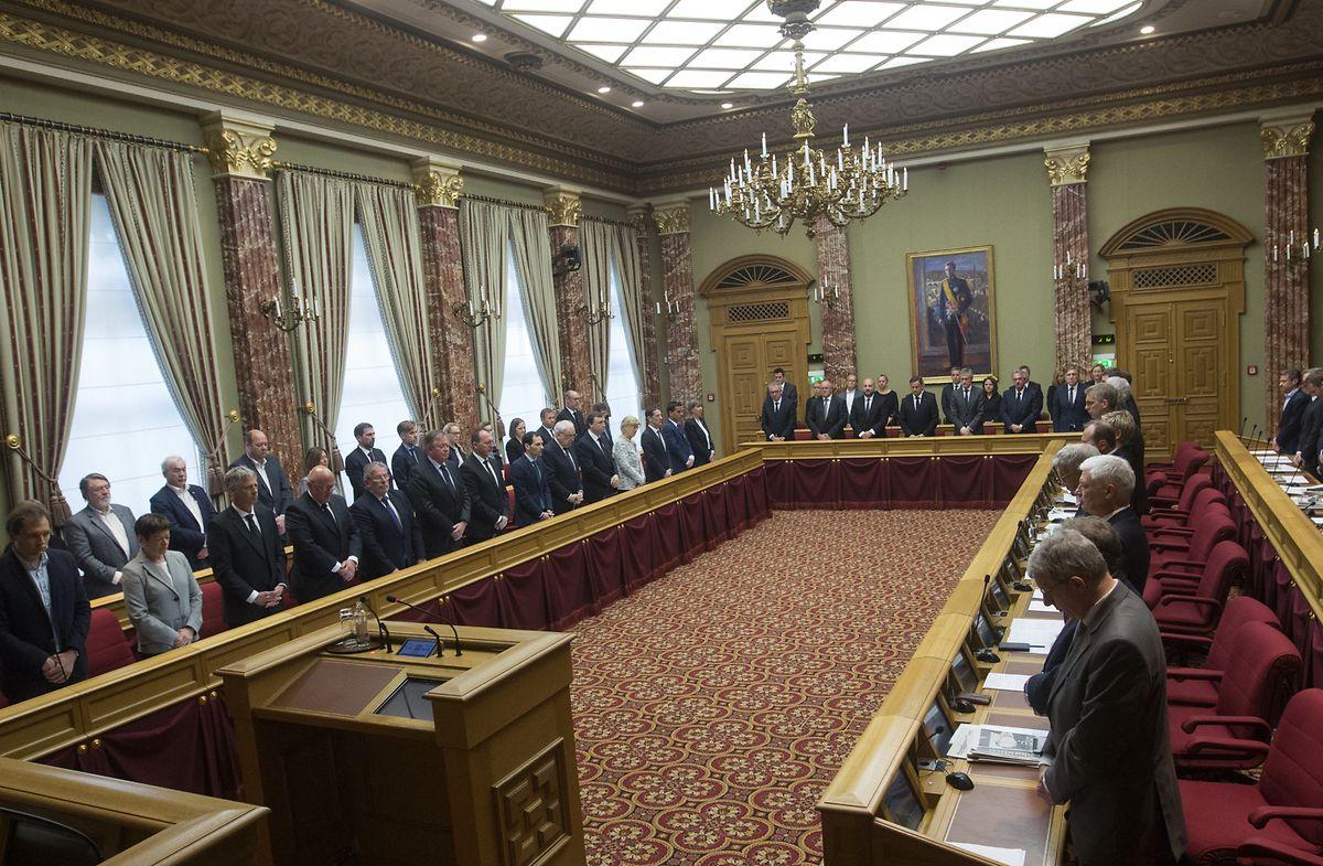 Mercredi 24 avril 2019: minute de recueillement de tous les députés et du gouvernement au parlement.